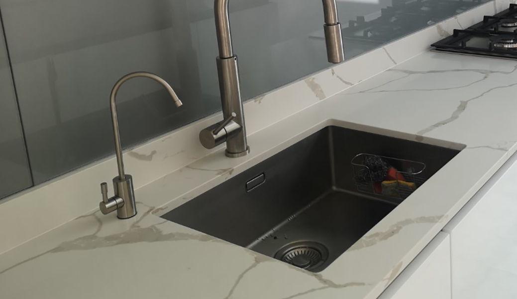 overmounted sink no grooves 1040 x 600 height